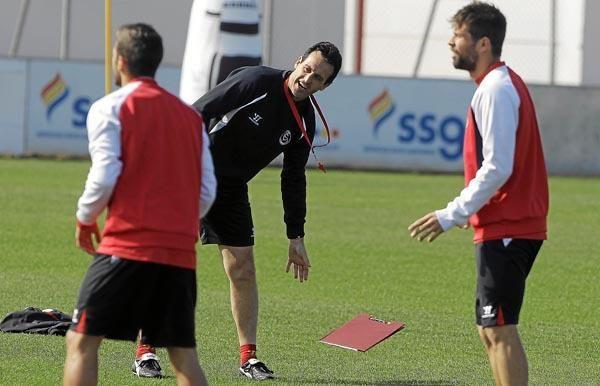 Sesión del Sevilla F.C. previo al ''Euroderbi''