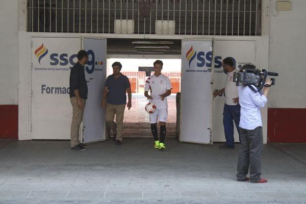 Denis Suárez, presentado con el Sevilla F.C.