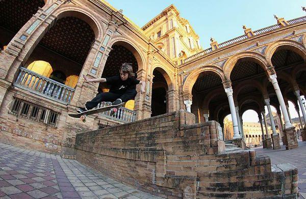David Parrilla, un precoz ''skater'' sevillano