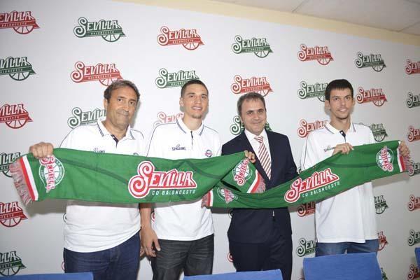 Presentación de Bamforth y Miljenovic con el CB Sevilla