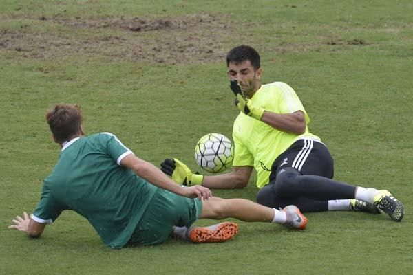 Primer entrenamiento de Joaquín con el Betis