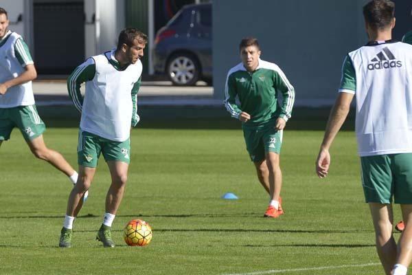 Entrenamiento del Betis sin los internacionales (10/11/2015)