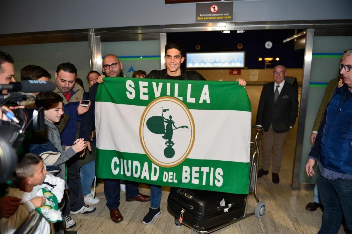 Marc Bartra llega para fichar por el Betis