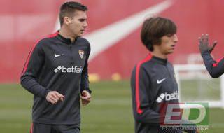 Entrenamiento del Sevilla con Wöber