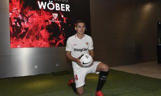 La presentación de Wöber, en imágenes