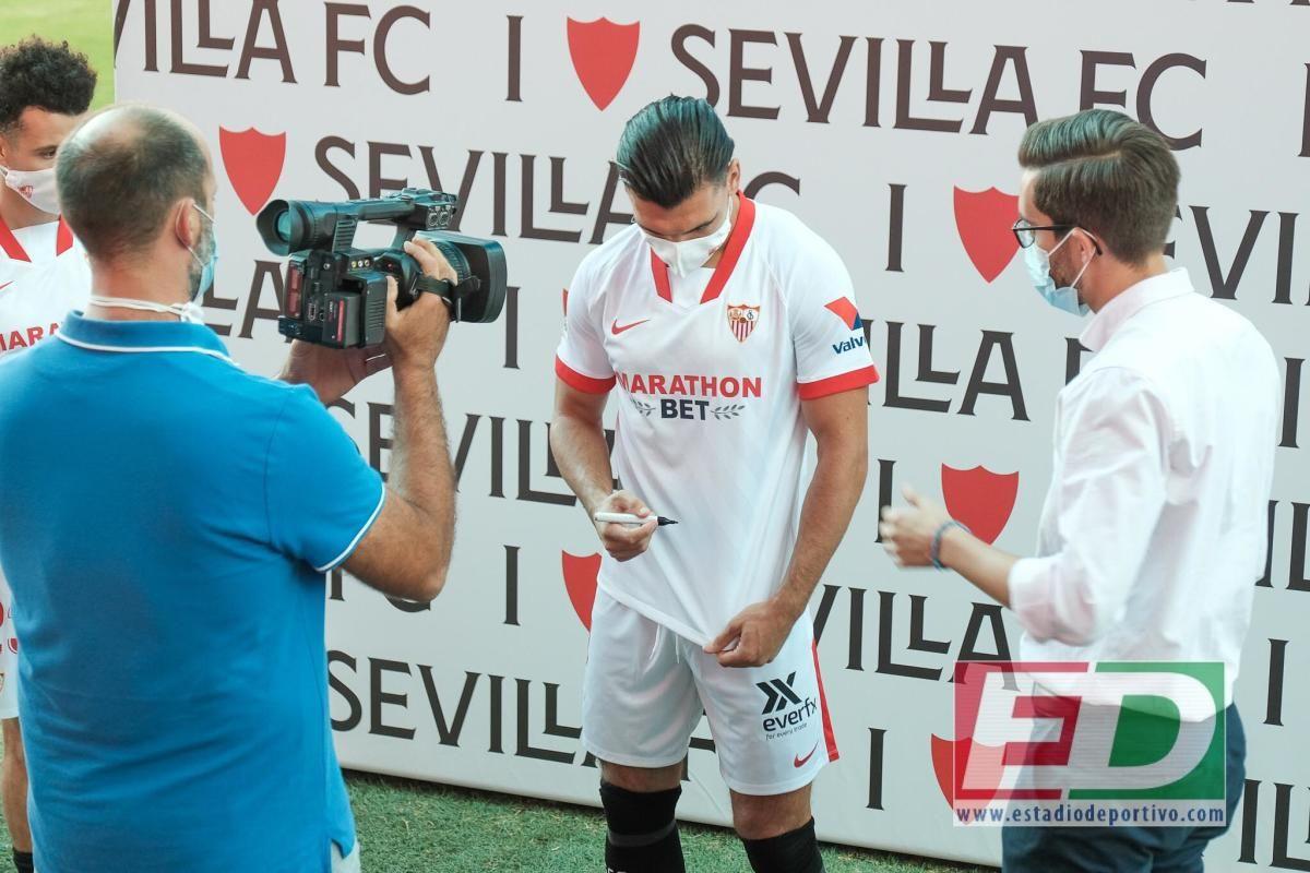 Presentación de Idrissi y Rekik por el Sevilla FC.